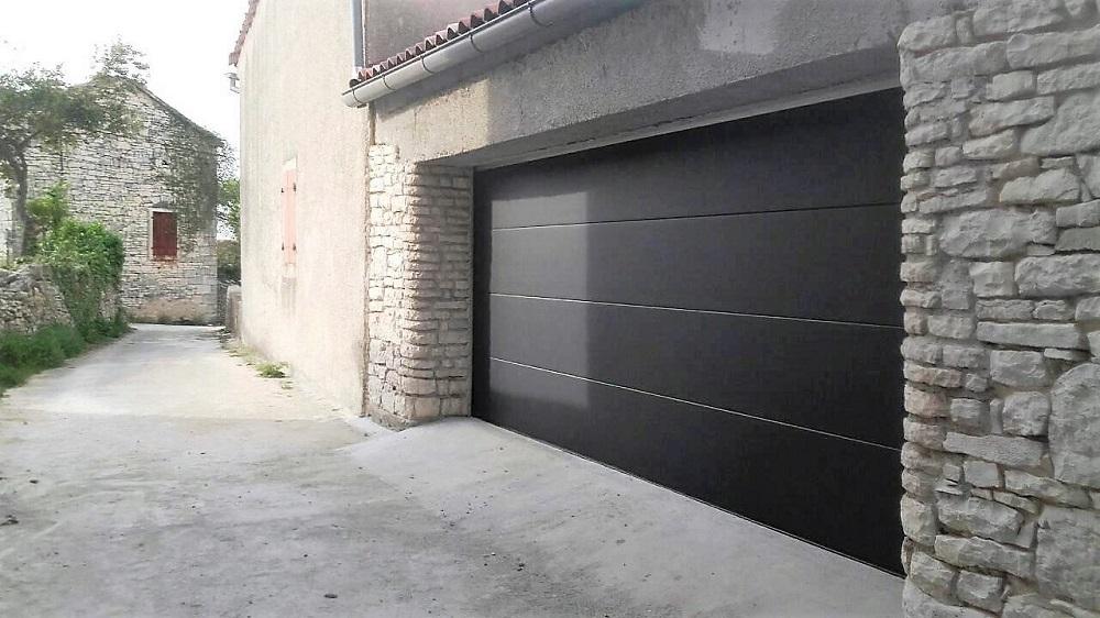 prodaja i montaža sekcijska garažna vrata adistrum